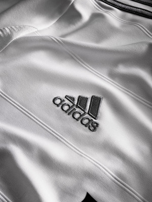 real_biely_adidas
