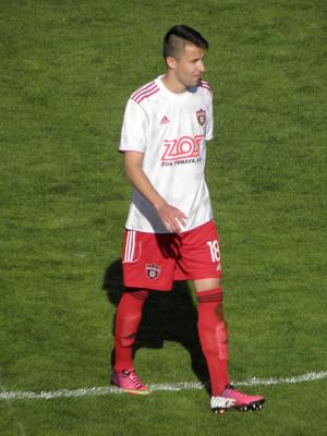 Biele dresy s červenými trenírkami a štulpňami (29. kolo, Ružomberok - Trnava)